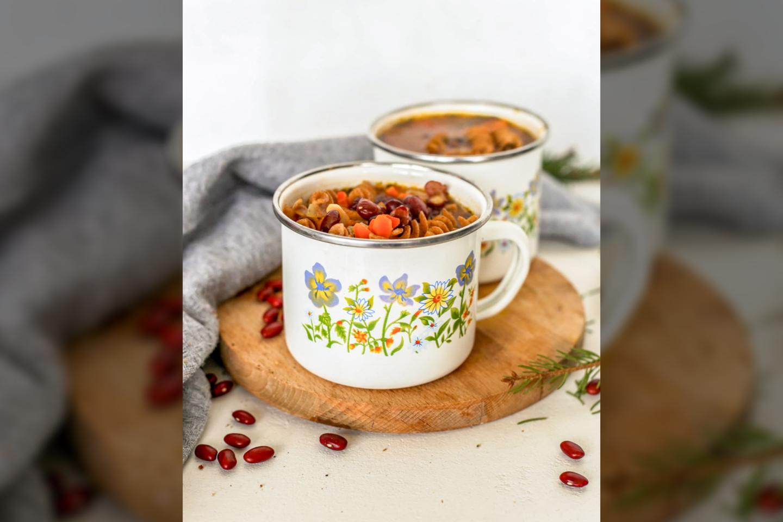 """Raudonųjų pupelių sriuba.<br>""""Sveikas receptas"""" nuotr."""