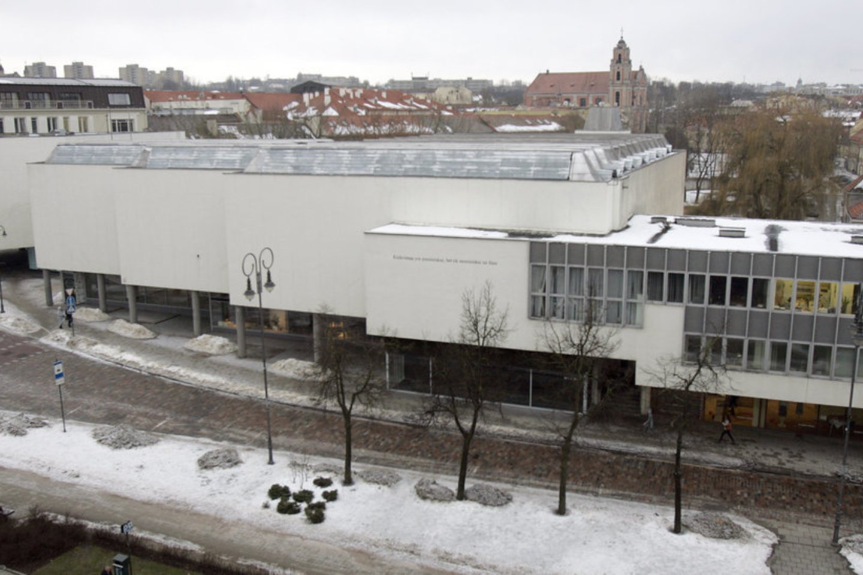 Viena tokių įstaigų, kurioms buvo skirtas finansavimas, – Šiuolaikinio meno centras (ŠMC), esantis sostinės Rotušės aikštėje.<br>V.Balkūno nuotr.