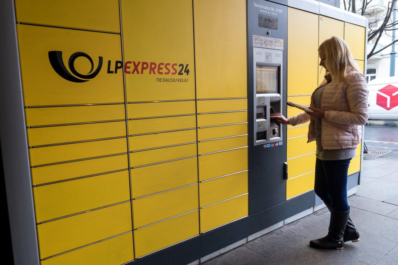 LP Express24, pašto terminalas, pašto siuntos<br>V.Ščiavinsko nuotr.
