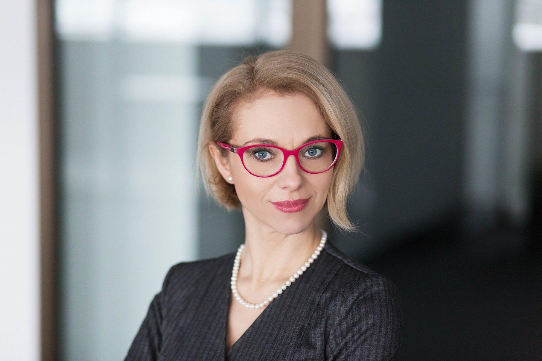 Psichologė Jūratė Bortkevičienė drąsina tėvus nenumoti ranka į bendravimo sunkumus ar subjurusią nuotaiką, tačiau drauge skirti laiko domėjimuisi ir tobulėjimui.<br>Liudo Masio nuotr.