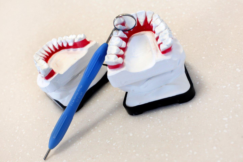 III ketvirtį odontologines paslaugas teikiančių įmonių vidutinis darbo užmokestis augo 25 proc.<br>V.Balkūno nuotr.