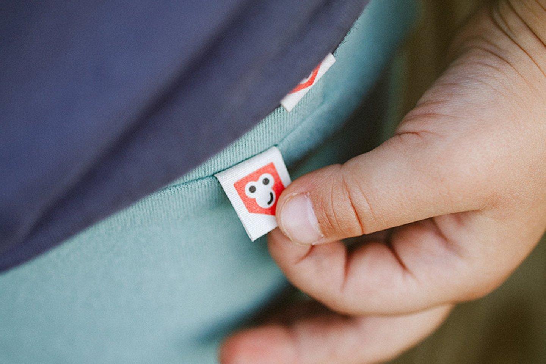 """""""Naudojame perdirbto popieriaus etiketes ir atkreipiame dėmesį į kitas mažas, bet reikšmingas detales, kurios padės išsaugoti mūsų Motiną Gamtą"""", – teigia Simona.<br>Asmeninio albumo nuotr."""