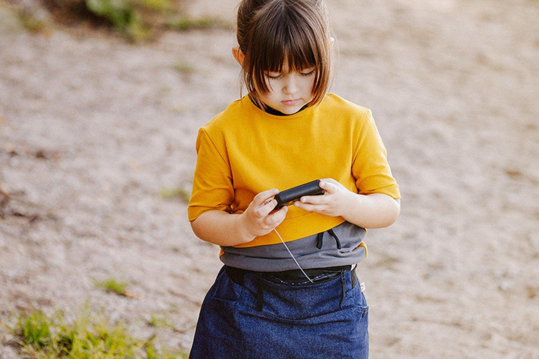 S.Končytė siekia, kad insulino pompa netrukdytų vaikams džiaugtis įprasta vaikyste.<br> Asmeninio albumo nuotr.