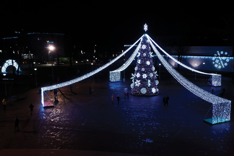 Kalėdų eglės įžiebimas Tauragėje.<br>Tauragės rajono savivaldybės nuotr.