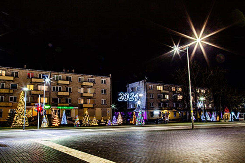 Kalėdų eglės įžiebimas Radviliškyje.<br>S.Mikučio (radviliskis.lt) nuotr.