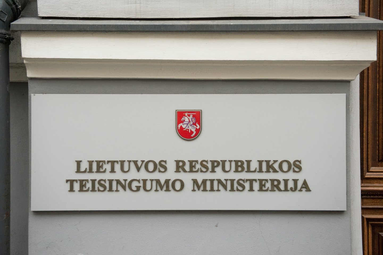 Teisingumo ministerijai skirta bauda.<br>D.Umbraso nuotr.