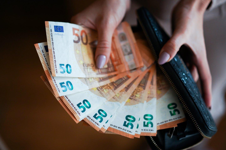 Įmonė neturi pareigos skaičiuoti, kaip darbuotojui būtų finansine prasme patogiau.<br>G.Bitvinsko nuotr.