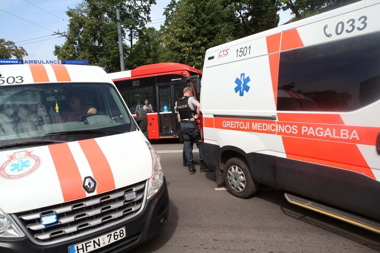 Kaune per avariją žuvusio A.Stoletovo tėvai teigė, jog sūnaus žūties byloje iki galo.<br>M.Patašiaus nuotr.
