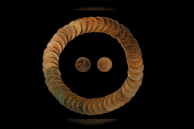 Lobį sudaro 63 auksinės ir viena sidabrinė monetos. Tai pinigai, nukaldinti per beveik 100 metų laikotarpį: nuo XV a. pabaigos iki XVI a.<br>Britų muziejaus / PAS nuotr.