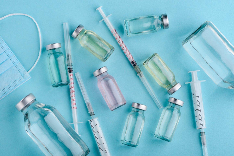"""Penkios iš šiuo metu kliniškai bandomų vakcinų yra mRNR vakcinos – ir nors jos pagamintos pagal skirtingus """"receptus"""", visos jos naudoja tą pačią pagrindinę koncepciją.<br>123rf nuotr."""