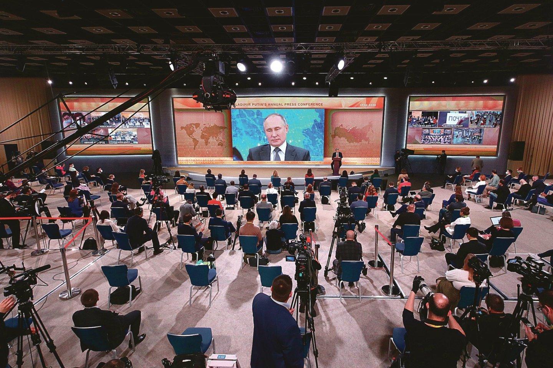 "V.Putino metinė spaudos konferencija truko rekordiškai ilgai – 4 val. 54 min.<br>TASS/""Scanpix"" nuotr."