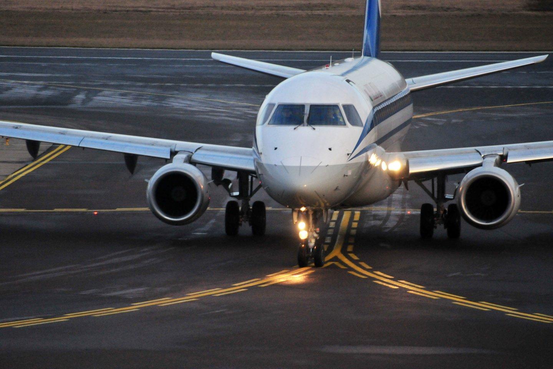 Vyriausybė sekmadienio vakarą skubiame posėdyje nutarė dėl skrydžių draudimo į Lietuvą iš Jungtinės Karalystės nuo gruodžio 21 dienos 4 valandos iki gruodžio 31 d. 24 val.<br>A.Vaitkevičiaus nuotr.
