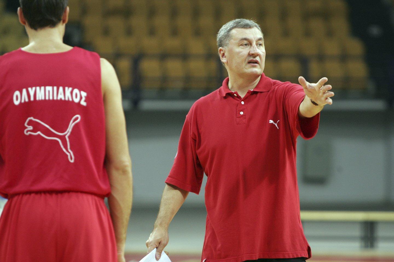 """J.Kazlauskas treniruoja Pirėjo """"Olympiakos"""" klubą.<br>M.Kulbio nuotr."""