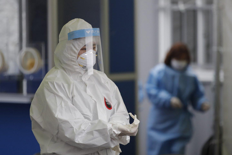 Norima supaprastinti įsidarbinimą Lenkijoje tokiems medicinos specialistams iš ES nepriklausančių valstybių kaip slaugytojai, akušeriai, diagnostikai ir paramedikai, gydytojai.<br>AP/Scanpix nuotr.