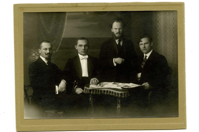 Operos taryba 1920 m.: Juozas Žilevičius, Juozas Tallat-Kelpša, Stasys Šilingas ir Kipras Petrauskas.<br>LMTKM archyvo nuotr.