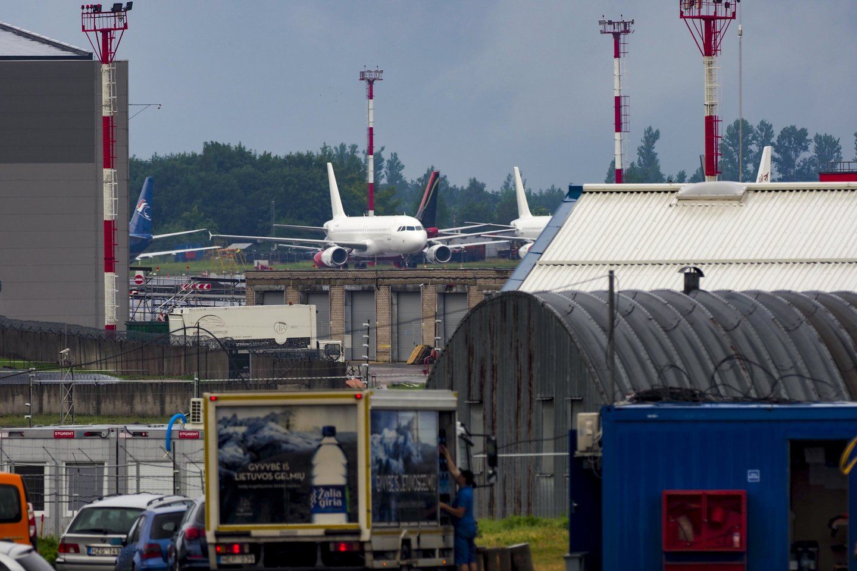 Vyriausybė trečiadienį nepratęsė skrydžių iš JK draudimo nuo sausio 1 dienos.<br>V.Ščiavinsko nuotr.