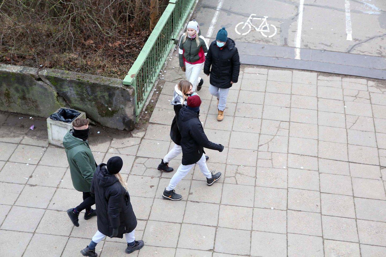 Pirmąją metų dieną kauniečiai patraukė į atviras miesto erdves.<br>M.Patašiaus nuotr.
