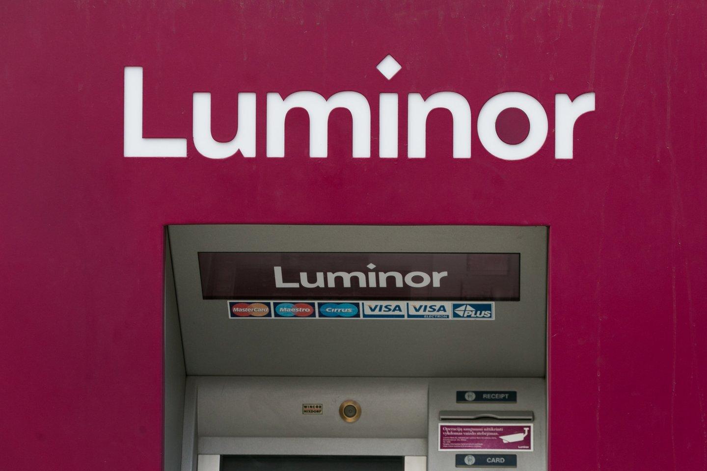 Dalis Lietuvos bankų metų pradžioje atnaujins paslaugų įkainius. Su grynaisiais pinigais susijusios operacijos kai kur brangs.<br>T.Bauro nuotr.