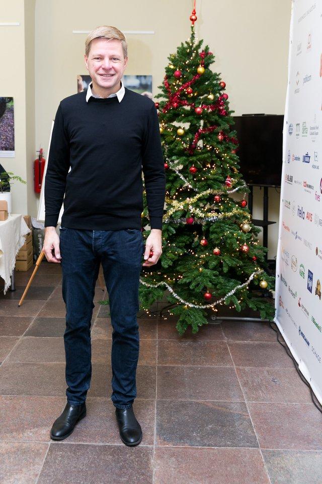 Vilniaus meras R. Šimašius kviečia sodinti Kalėdų mišką.<br>T.Bauro nuotr.