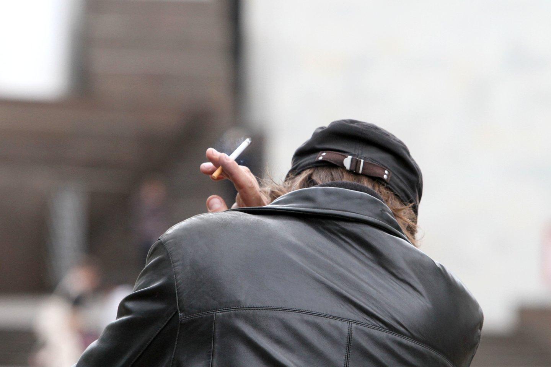 E. Gentvilas apie draudimą rūkyti balkonuose: tai – neveikiantis įstatymas.<br>M.Patašiaus nuotr.