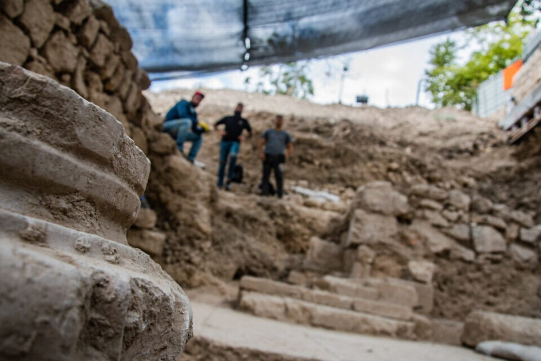 Izraelio senienų tarnybos kasinėjimai VI a. Bizantijos bažnyčioje Getsemanėje.<br>IAA nuotr.
