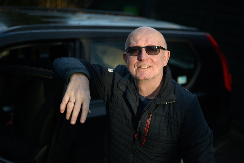 """270 tūkstančių kilometrų – tiek Arūnas Valinskas (54 m.) jau nuriedėjo savo """"Nissan X-Trail"""" visureigiu.<br>V.Skaraičio nuotr."""