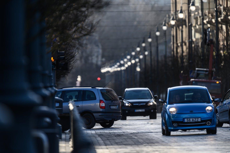 Anksčiau ar vėliau tvarka Lietuvos keliuose bus, sako A.Valinskas.<br>V.Skaraičio nuotr.