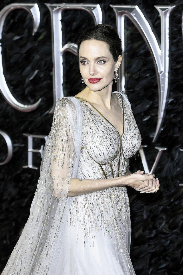Angelina Jolie.<br>ONA KACĖNAITĖ, Edvardas Žičkus