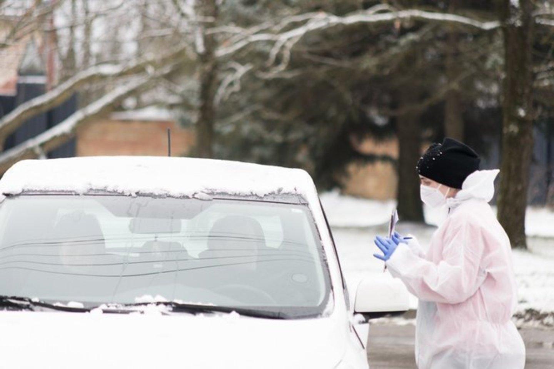 Lietuvos mokslininkai tikisi pasiūlyti neskausmingą ir ekonomiškai pigesnį metodą, kuris būtų naudojamas testuojant koronavirusą.<br>R.Ančerevičiaus/jp.lt nuotr.