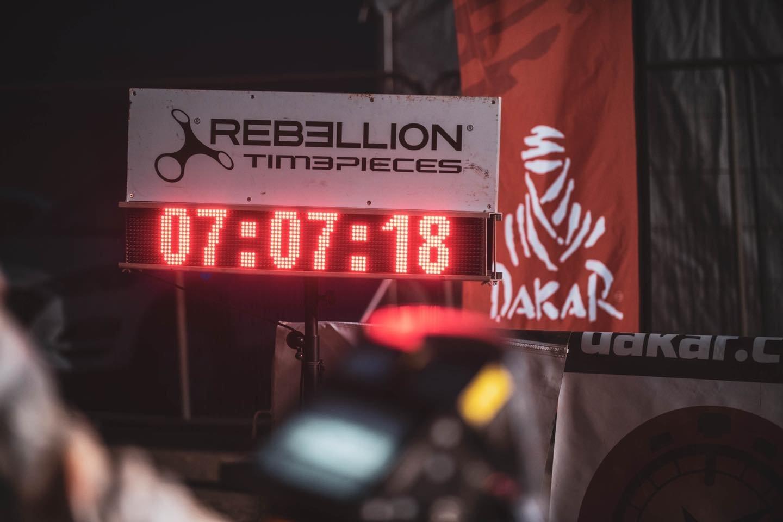 Motociklų įskaitoje Dakare dalyvaujantis Arūnas Gelažninkas aplenkė savo varžovus ir trečiadienį Lietuvai padovanojo simbolinę pergalę 10-ajame greičio ruože.<br>ZigmasDakarteam/Arno Strumilos nuotr.