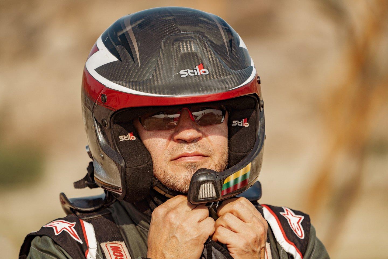 Dakaro ralio vilku vadinamas Antanas Juknevičius (46 m.) šį sausį jau dvyliktą kartą stojo prie legendinių lenktynių starto linijos.<br>V.Dranginio nuotr.