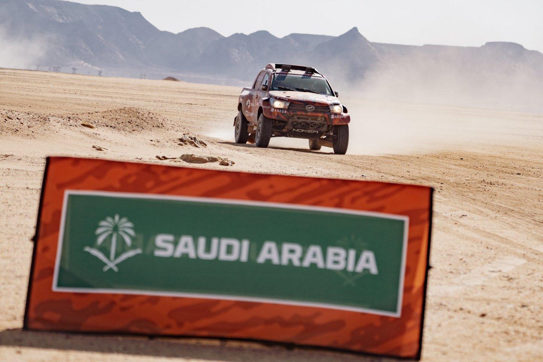 Viskas, kas prasideda, kada nors ir baigiasi. Legendinis Dakaro ralis baigėsi ten, kur prieš beveik porą savaičių ir prasidėjo, – vasariškoje Džidoje.<br>V.Dranginio nuotr.
