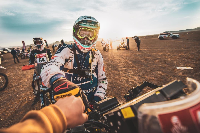 Viskas, kas prasideda, kada nors ir baigiasi. Legendinis Dakaro ralis baigėsi ten, kur prieš beveik porą savaičių ir prasidėjo, – vasariškoje Džidoje.<br>ZigmasDakarteam/Arno Strumilos nuotr.