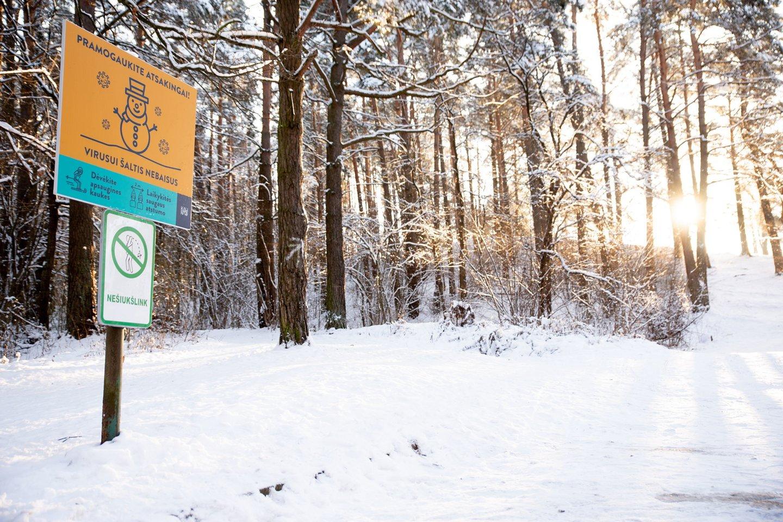 Kaunas imasi netradicinio ženklinimo: žiemos pramogų erdvėse – svarbūs įspėjimai.<br>Pranešimo spaudai nuotr.