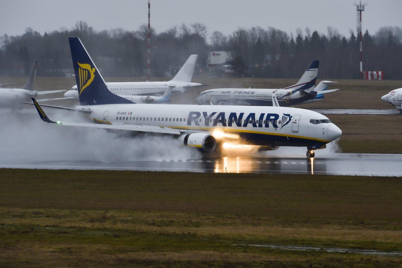 """""""Ryanair"""" stabdo skrydžius iš Vilniaus.<br>V.Ščiavinsko nuotr."""