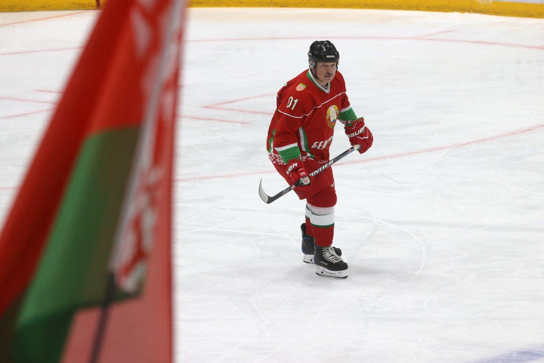 Iš A.Lukašenkos valdomos Baltarusijos atimta teisė rengti pasaulio čempionatą dėl jo valdžios veiksmų prieš gyventojus.<br>AP nuotr.