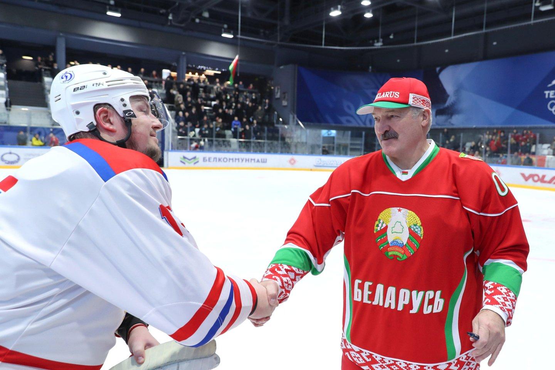 Iš A.Lukašenkos valdomos Baltarusijos atimta teisė rengti pasaulio čempionatą dėl jo valdžios veiksmų prieš gyventojus.<br>Reuters/Scanpix nuotr.