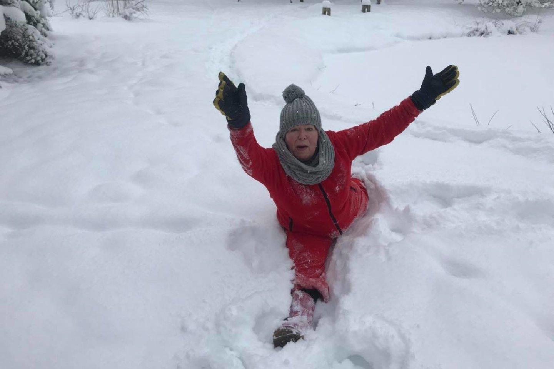 Po sniegą ji ir vaikšto basa, ir juo prausiasi.<br>Asmeninio archyvo nuotr.