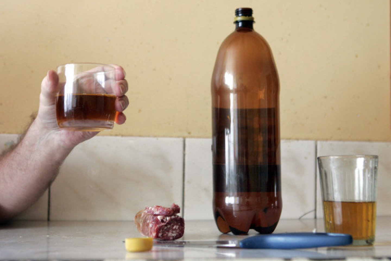 Psichiatras pastebėjo, kad pandemijos metu išaugo alkoholio vartojimas.<br>V.Balkūno nuotr.