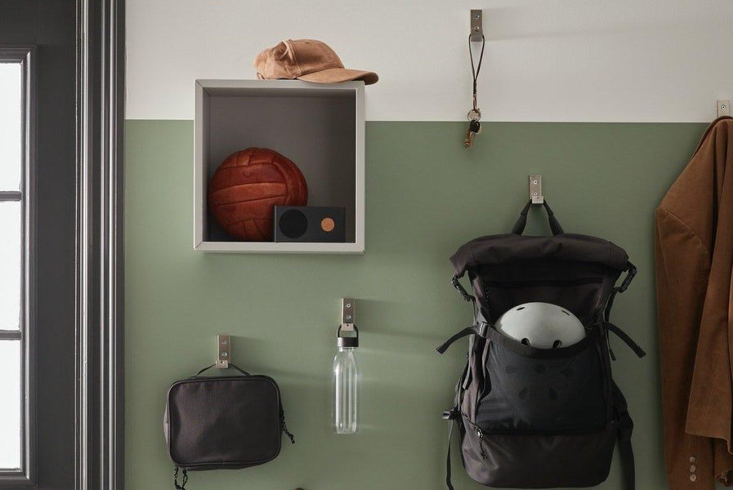 Kabliukai sienoje.<br>IKEA nuotr.