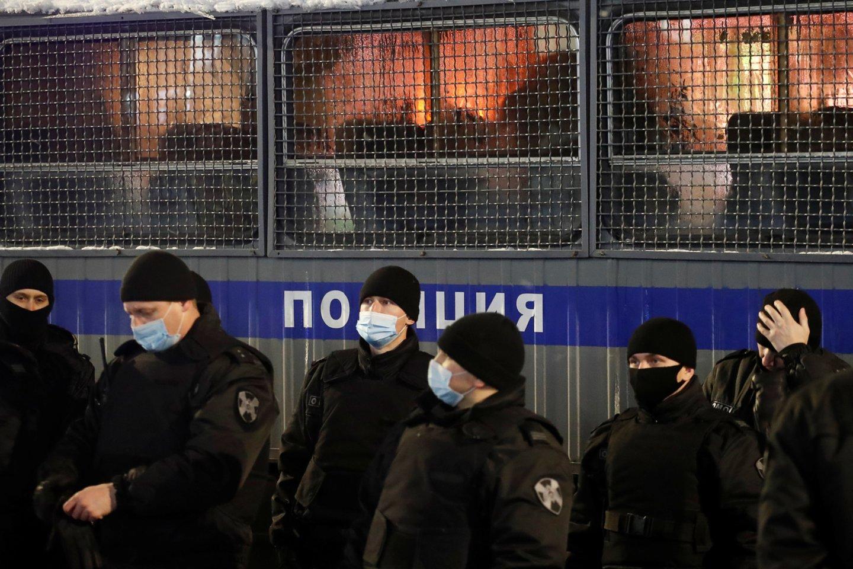 Rusijos pareigūnai sulaikė Aleksejaus Navalno štabo Novosibirske koordinatorių, miesto tarybos narį Sergejų Boiką.<br>Reuters/Scanpix nuotr.