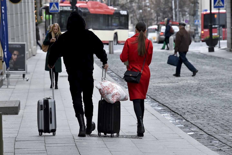 Net ir per karantiną žmonės teiraujasi apie galimybes įsidarbinti užsienyje.<br>V.Ščiavinsko nuotr.
