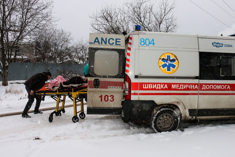 Ukrainoje po pražūtingo gaisro senelių namuose sulaikyti keturi asmenys. <br>AFP/Scanpix nuotr.
