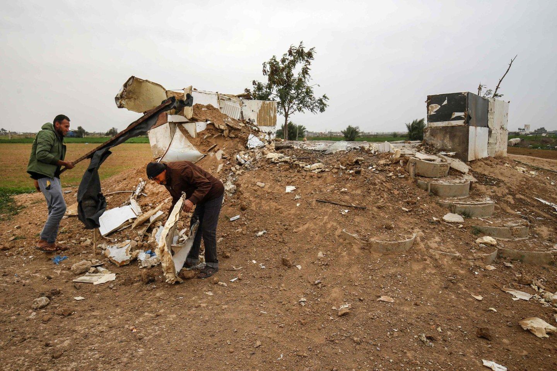Atsitiktinio sprogimo šaltinis greičiausiai buvo vienos išanklave veikiančių ginkluotų grupuočių nario namuose.<br>AFP/Scanpix asociatyvi nuotr.