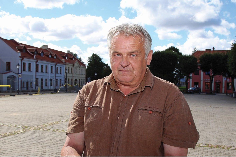 Kėdainių krašto muziejaus archeologas A. Juknevičius apgailestauja, kad pėsčiųjų tilto tema prabilta per vėlai, kai jis jau pastatytas, o pėstieji kasdien juo vaikšto.