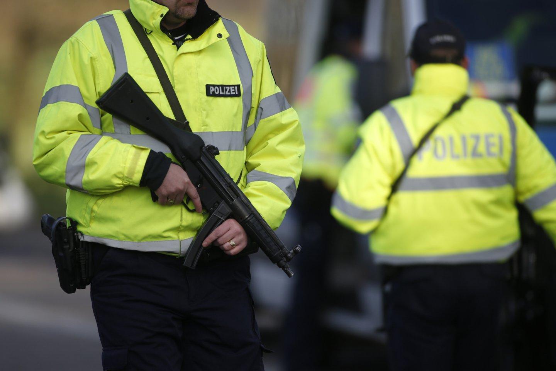 Vokietijoje moteris apkaltinta sąmokslu smogti musulmonams, politikams ir aktyvistams. <br>Reuters/Scanpix nuotr.