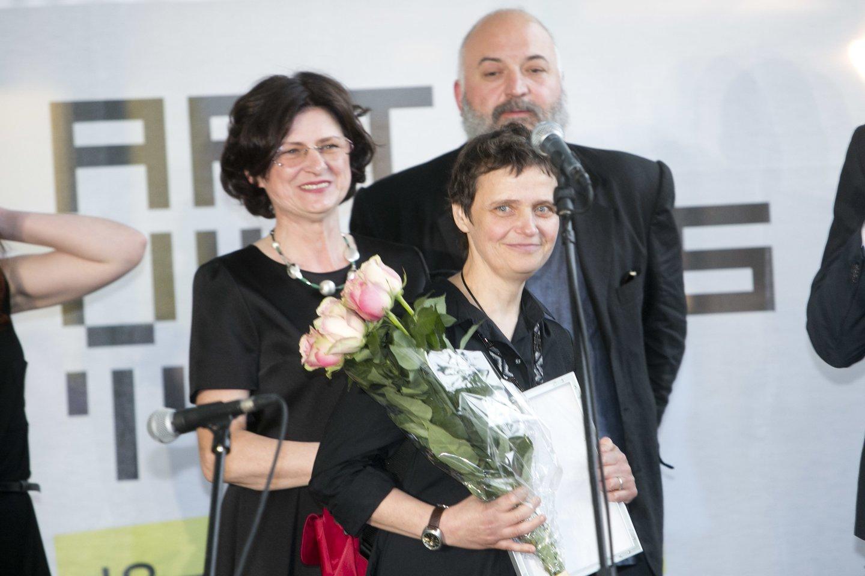 """Tapytoja išrinkta geriausia tarptautinės meno mugės """"ArtVilnius'14"""" menininke.<br>T.Bauro nuotr."""