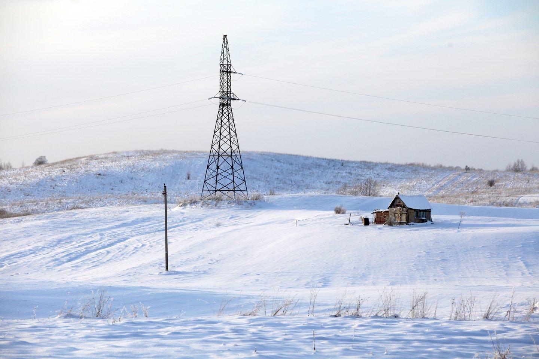 Po Lietuvą užklupusio sniego daug žmonių iki šiol gyvena be elektros.<br>V.Balkūno nuotr.