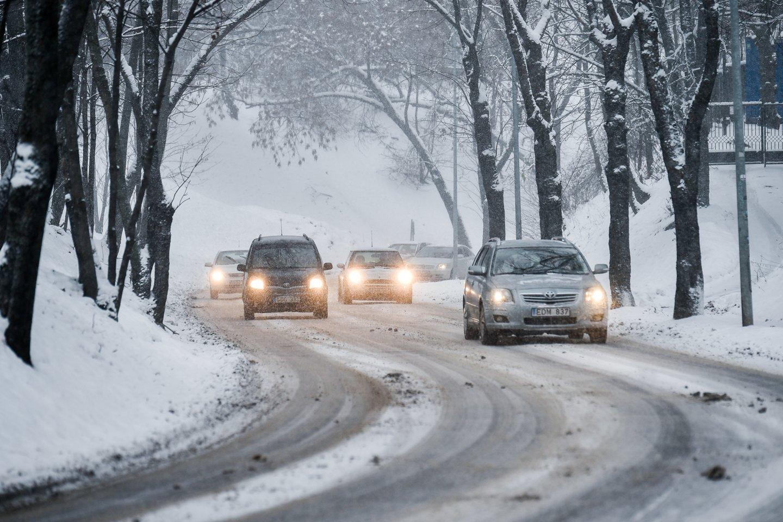 2021 m. sausį naujų lengvųjų automobilių registravimas sumažėjo 45 proc.<br>V.Ščiavinsko nuotr.
