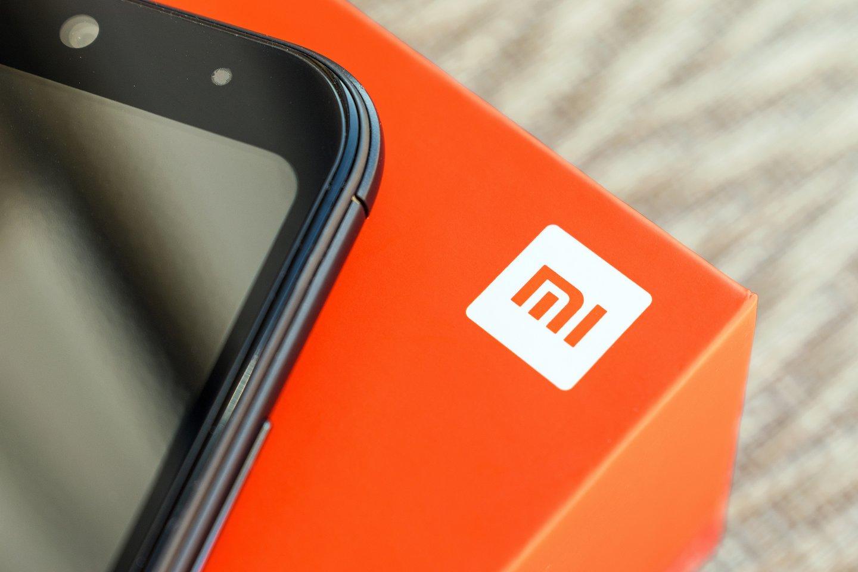 """""""Xiaomi"""" - kaip ir """"Huawei"""" - vartotojai gali apeiti šiuos apribojimus ir rankiniu būdu įsidiegti """"Google"""" paslaugas. Bet nuo šiol """"Xiaomi"""" telefonų savininkai to atlikti nebegalės.<br>123rf nuotr."""